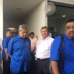 #SebuyauTragedy: @Zahid_Hamidi arrives at Sarawak General Hospital https://t.co/RR4YfgID4m https://t.co/fTsiFyQuQD