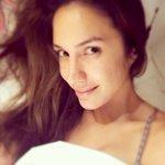 Buenos días, recién despertando!!. Lo 1ero saludarl@s y desearles una linda jornada y éxito. #FelizViernes ❤️???????????? https://t.co/qIODC1c5nz