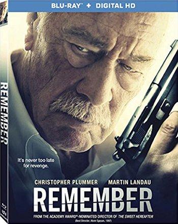 かつてアウシュビッツで家族を殺された痴呆老人が、施設を抜け出して復讐の旅に出る。だがそこには残酷な現実が待ち受けていた。「Remember」というタイトルが深い意味を帯びるアトム・エゴヤンの新作、最高です! https://t.co/ss4xlnI8Mq