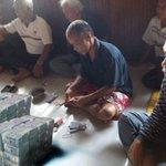 "@malaysiakini ASK @NajibRazak to prove his ""donation"" claim first @NancyShukri. Heres money politics in Sarawak https://t.co/FW5vZQX8k1"