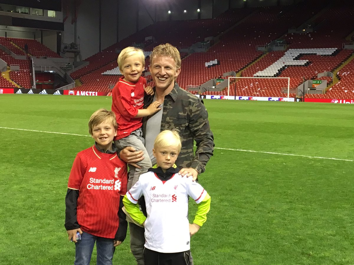 What a great night at Anfield yesterday. We enjoyed every single minute of it. #LFC #YNWA https://t.co/3M9pQAonpR