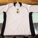 Ya en mi poder la camiseta de @AritzAduriz11 con la que empezó a despuntar en el @Burgos_CF https://t.co/1dkpX9gObY