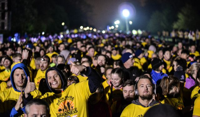 Hope all 64,000 people walking in tomoro's @PietaHouse #DIL2016 get an early night #EarlyRisers #DarknessIntoLight https://t.co/ImU6E1t5GA
