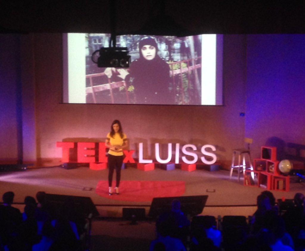 @BBCYaldaHakim al #TEDxLUISS ci racconta come ha rivoluzionato la sua vita #revolution #Luiss #Tedevent @TEDxLUISS https://t.co/PiEFhBYDk1