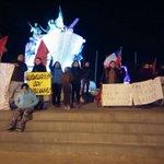Chilotes en Punta Arenas #ChiloeResiste se organizaron en marcha a los pies de monumento de Goleta Ancud. https://t.co/DMMdNJ9BMw