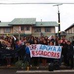 Desde #Achao en la isla Quinchao Liceo Ramón Freire apoya a los pescadores y al pueblo Chilote.#FuerzaChiloe https://t.co/I7ZmQLw7gt