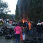 Transito suspendido por pescadores Ruta U400, Sector Puaucho.#Osorno VIA @deejaycarlosmix https://t.co/4BNMvCQy9G