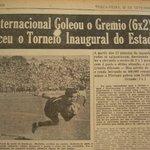 26 Set. 1954 - Inauguração do estádio Olímpico. @SCInternacional 6 x 2 @Gremio - 4 gols de Larry https://t.co/2yxHf9gTzo