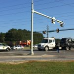UPDATE: Two SUVs involved in wreck at Winchester Road. WB Winchester block at Memorial Pkwy. 1 Parkway lane open NB. https://t.co/Da1vIHYb9L