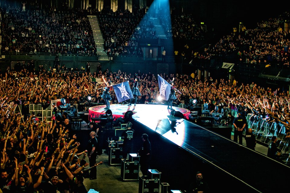 Woohoo! @BABYMETAL_JAPAN at @DownloadFest anyone? https://t.co/ZBHvThjuio #METALRESISTANCE https:...