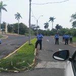 Fuerte resguardo policial en hotel donde ofrecerán conferencia los magistrados del CSE #EleccionesNi2016 @laprensa https://t.co/2I3A4jCbFy