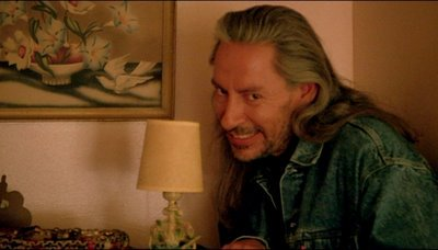 Chyn_5SXAAEZA1R funniest thing i've seen today? the thom yorke bob from twin peaks