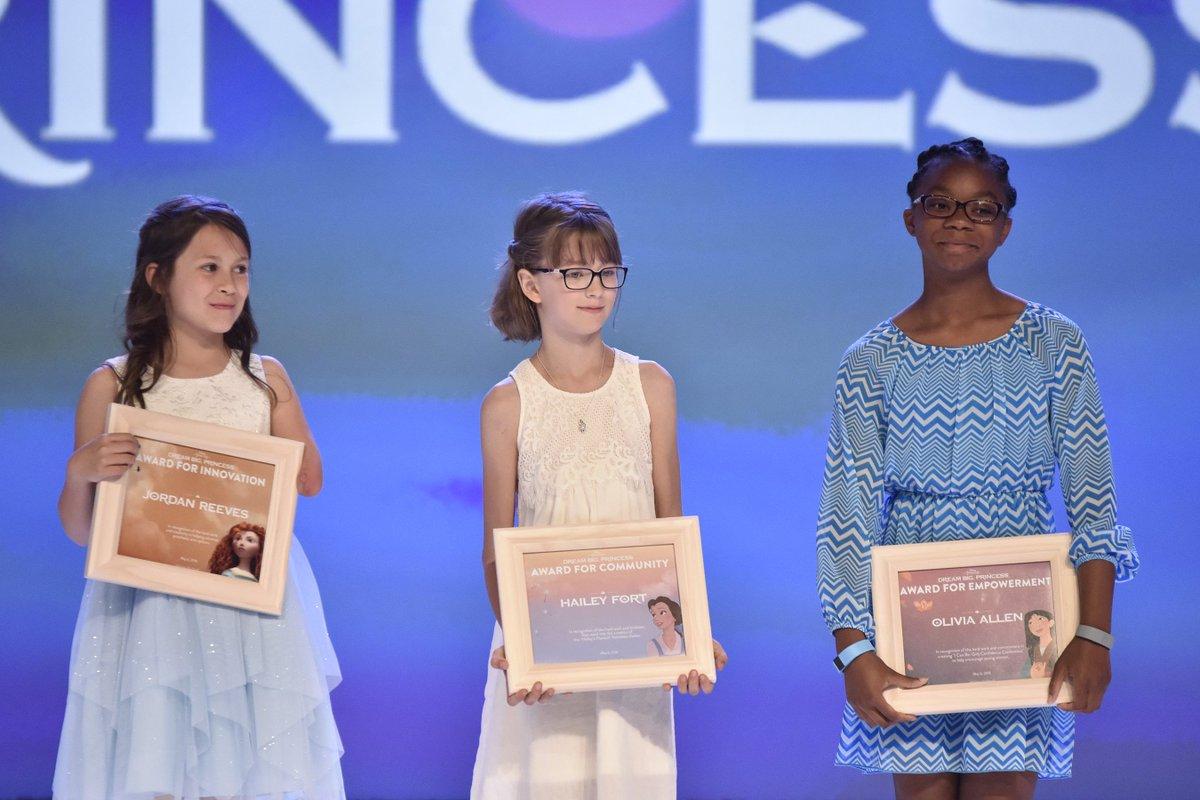 Congrats to Jordan, Hailey & Olivia recognized today w/ #dreambigprincess awards! #DisneySMMC https://t.co/41Xq9noO7J via @DisneyMoms