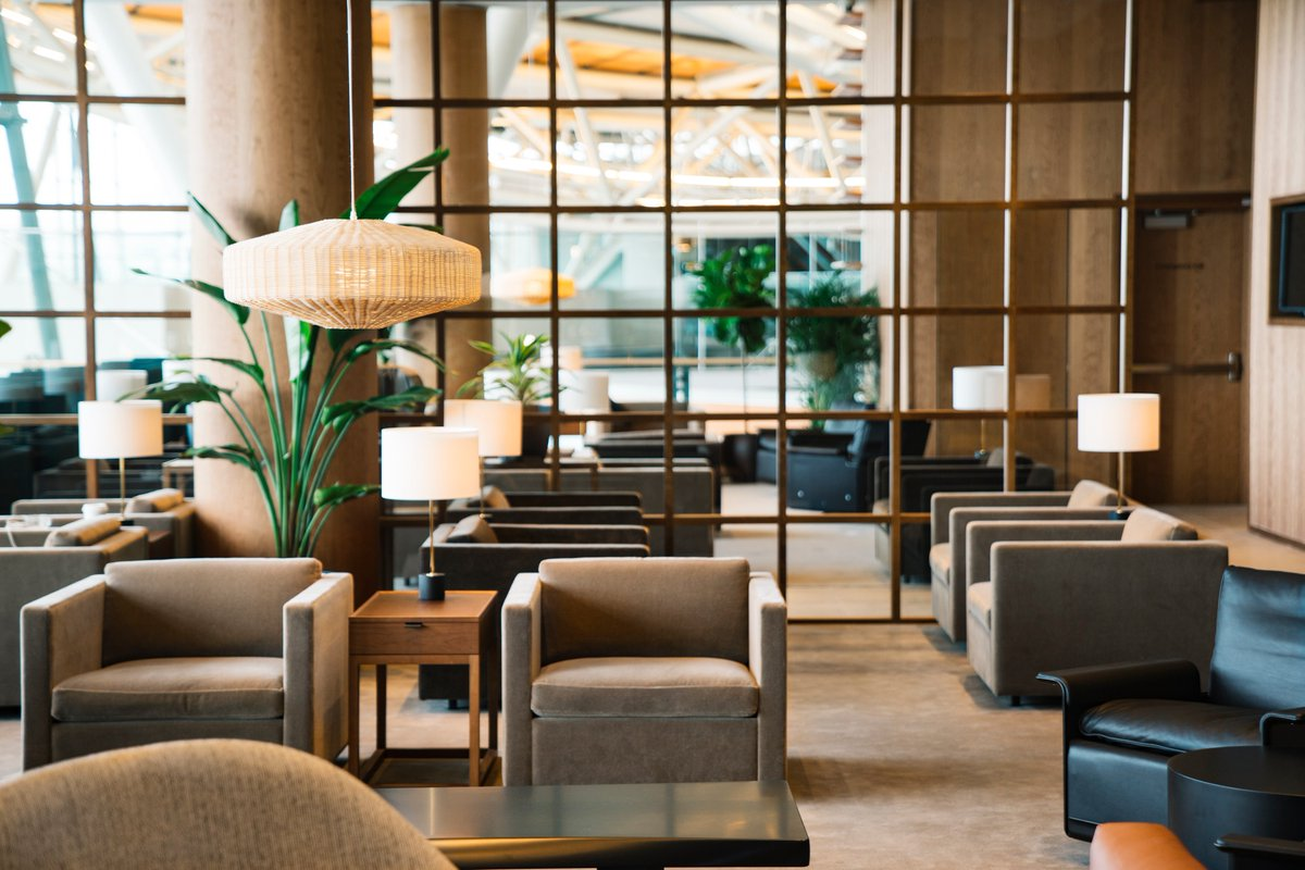 RT @cathaypacificCA: Check out our revamped lounge @yvrairport & enjoy some dan dan noodles at The Noodle Bar! http…