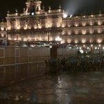 Diluvia en #Salamanca, preciosa la Plaza Mayor https://t.co/8jCPbue2Py