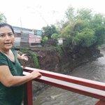 Claudia Moreno, habitante del Domitila Lugo, narró como la corriente dañó trabajos en el cauce @laprensa https://t.co/76e3reIbvP
