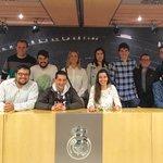 Gran día en Madrid con @UPSAmasterCID con las visitas al Vicente Calderón, Mutua Madrid Open y Santiago Bernabéu. https://t.co/usOvoe0vYt