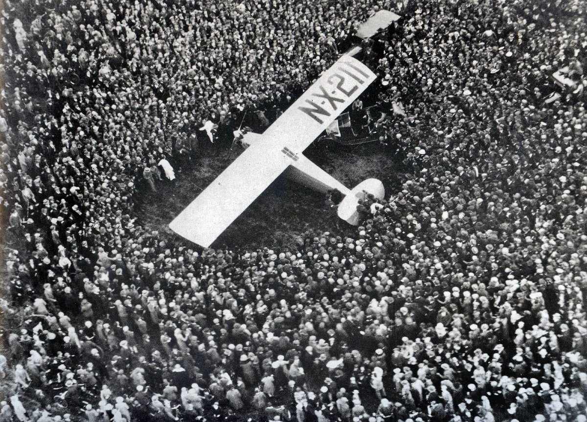 #LuckyLindy completed the first solo, nonstop flight from New York to Paris, 89 years ago today! https://t.co/ScV7PKiKd1