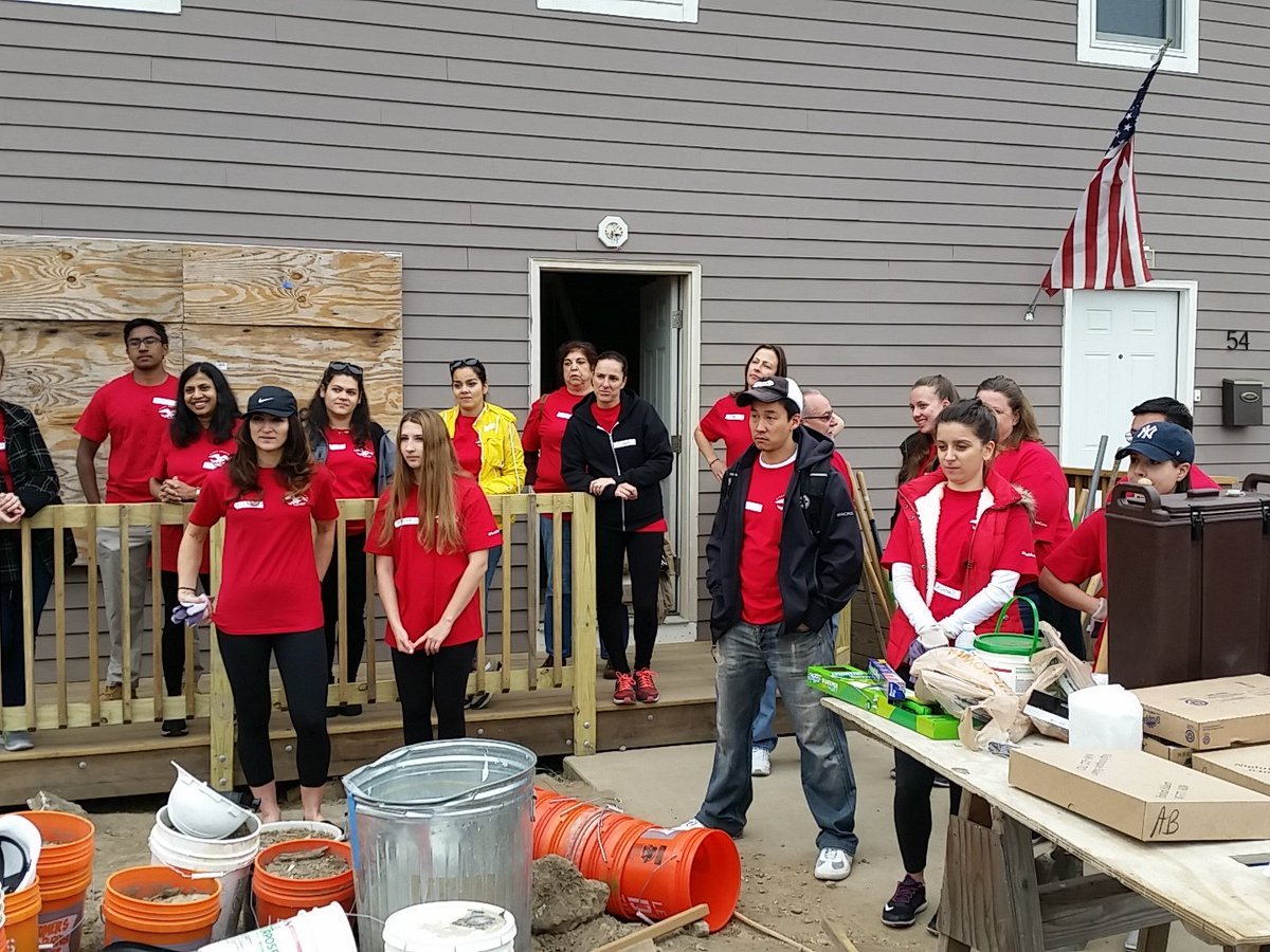 First American title volunteer day thank you https://t.co/FgPFxn4V6N