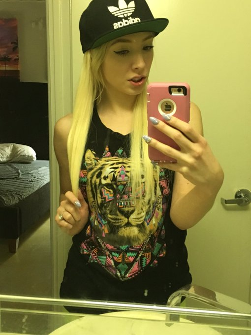 My anaconda don't want none unless you got buns, hun? #punk #whooty #pawg #snapback #adidas #neon #tiger