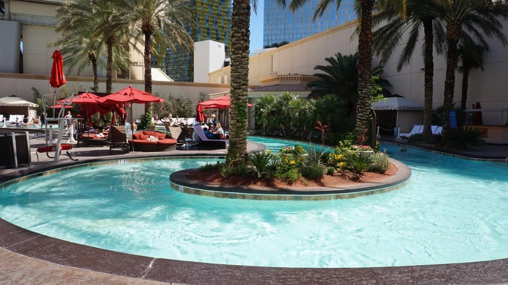 Doesn't this look relaxing?  Retweet if you wish you were floating down the lazy river right now! https://t.co/MA8DCJ3qpL