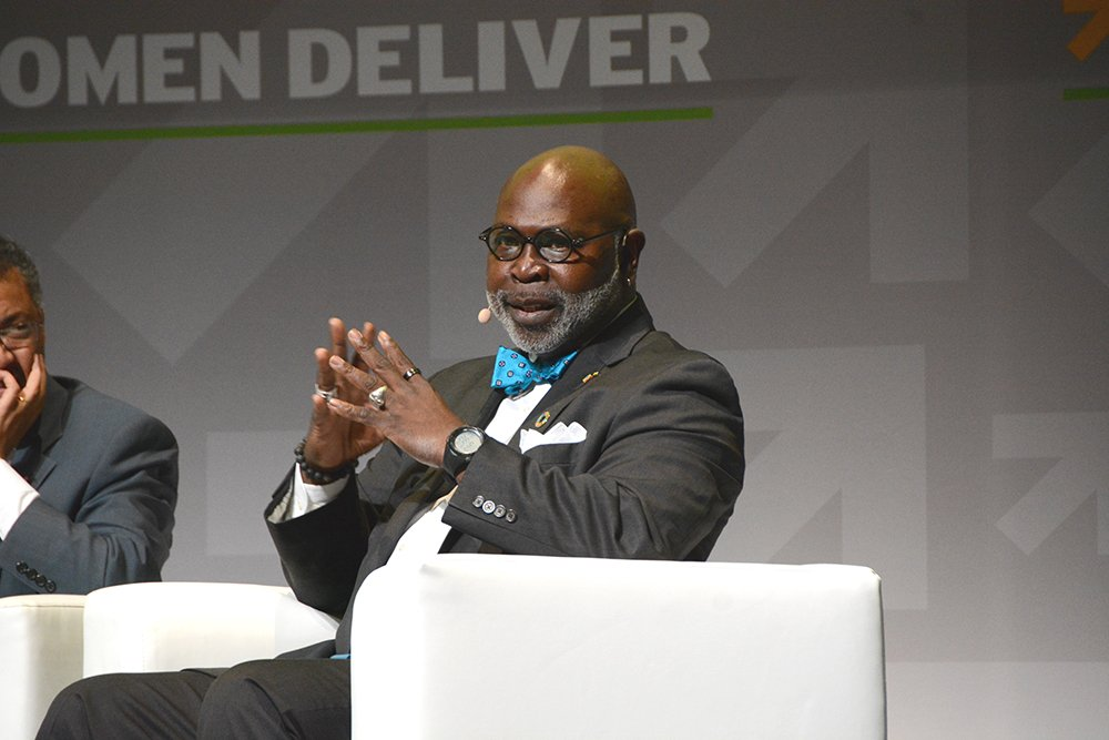 """""""The power that I hold, all men hold and that is the power to be traitors to patriarchy."""" Dr. Willie Parker #WD2016 https://t.co/XsGVxxvE7R"""
