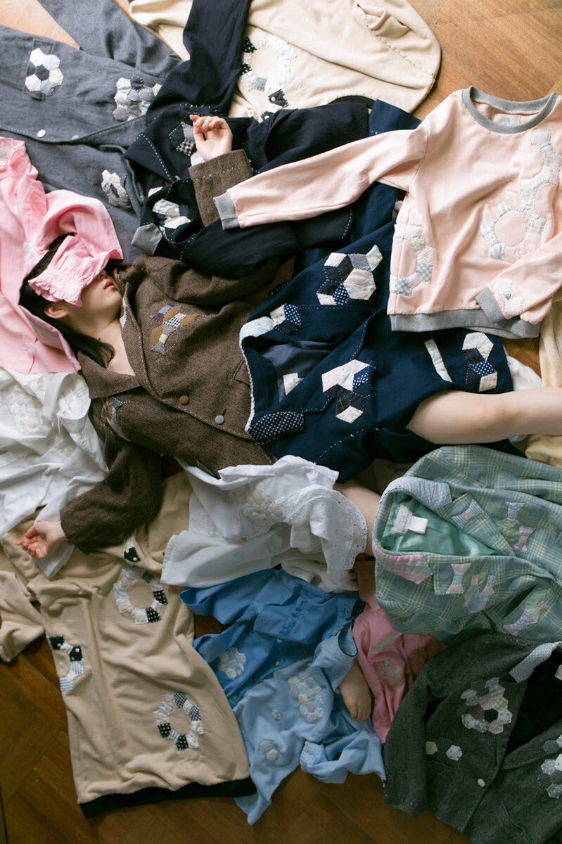 フランス人みたいに10着しか服を持てないなら死んだほうがマシ。 https://t.co/f8Vo7iMC7G
