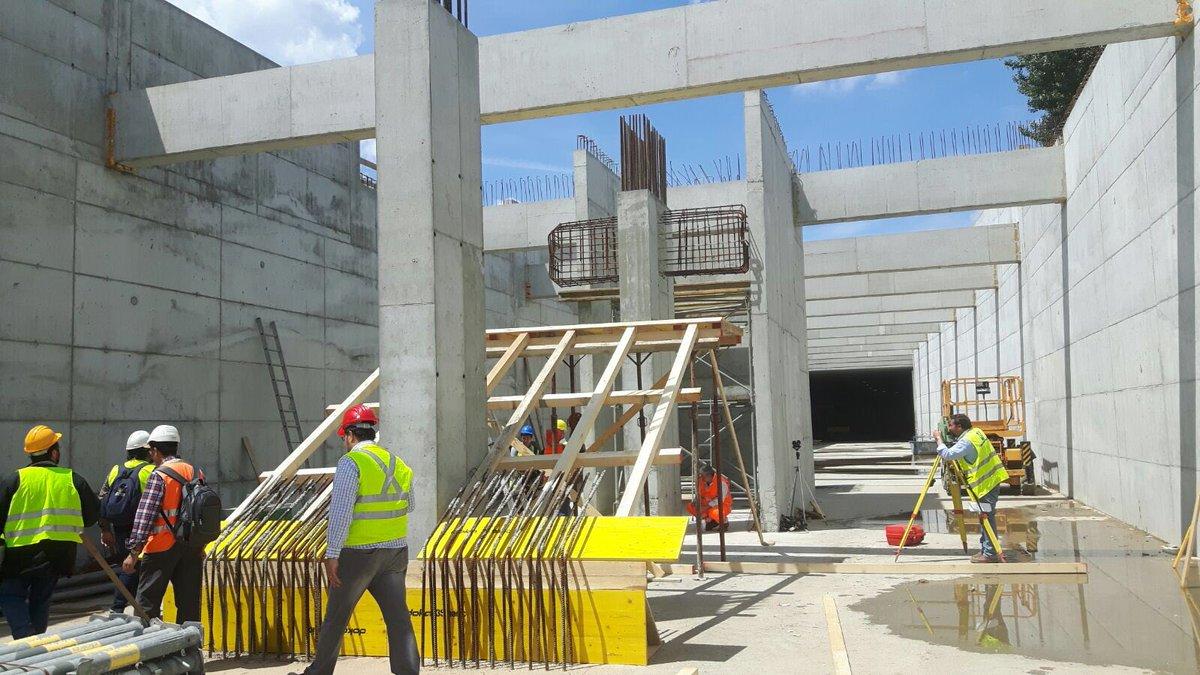 RT @DarioNardella: Procedono i lavori #tranvia. In questi giorni in costruzione la scala diretta al parcheggio della fermata
