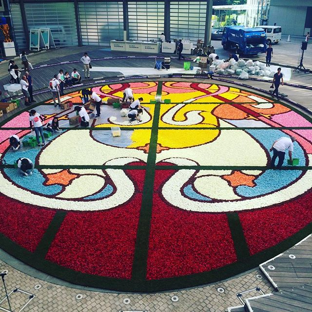The #Brussels´ #FlowerCarpet will be at the heart of #Japan for a few days! https://t.co/0dMvfE0bqa #brusselsdays https://t.co/tNYyKiDfht