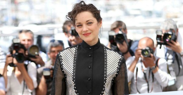 Marion Cotillard was trying out a few too many textures with this look: