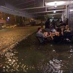 a semana de provas é a enchente e eu sou as pessoas https://t.co/b4d6etLCMH