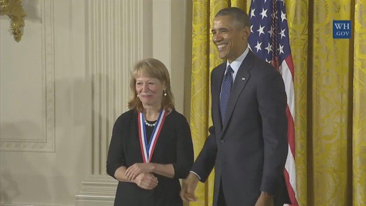 .@Univ_Of_Oregon professor awarded national honor from @POTUS  https://t.co/eM23zWZguw https://t.co/ilYAl4CnNH