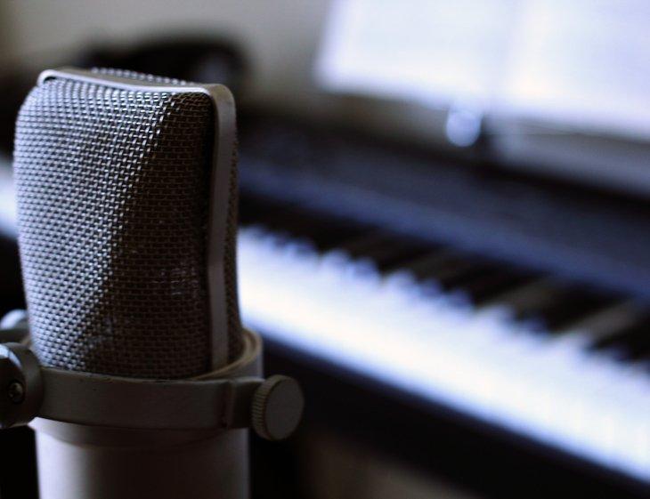 RT @hitRECord: How fast can you sing? https://t.co/OyePH1xOSS https://t.co/SX6wyimLPf