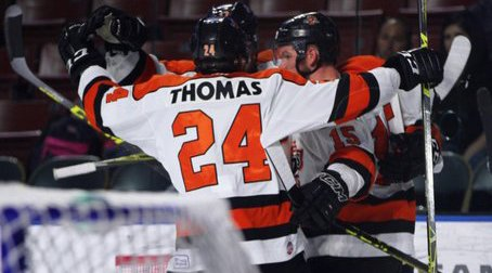KOMETS WIN! #GAME3 goes to the Orange & Black as @MEmbach w 2 goals in 2-1 Final over @AllenAmericans! #LetsGoKomets https://t.co/mcc50J9hov