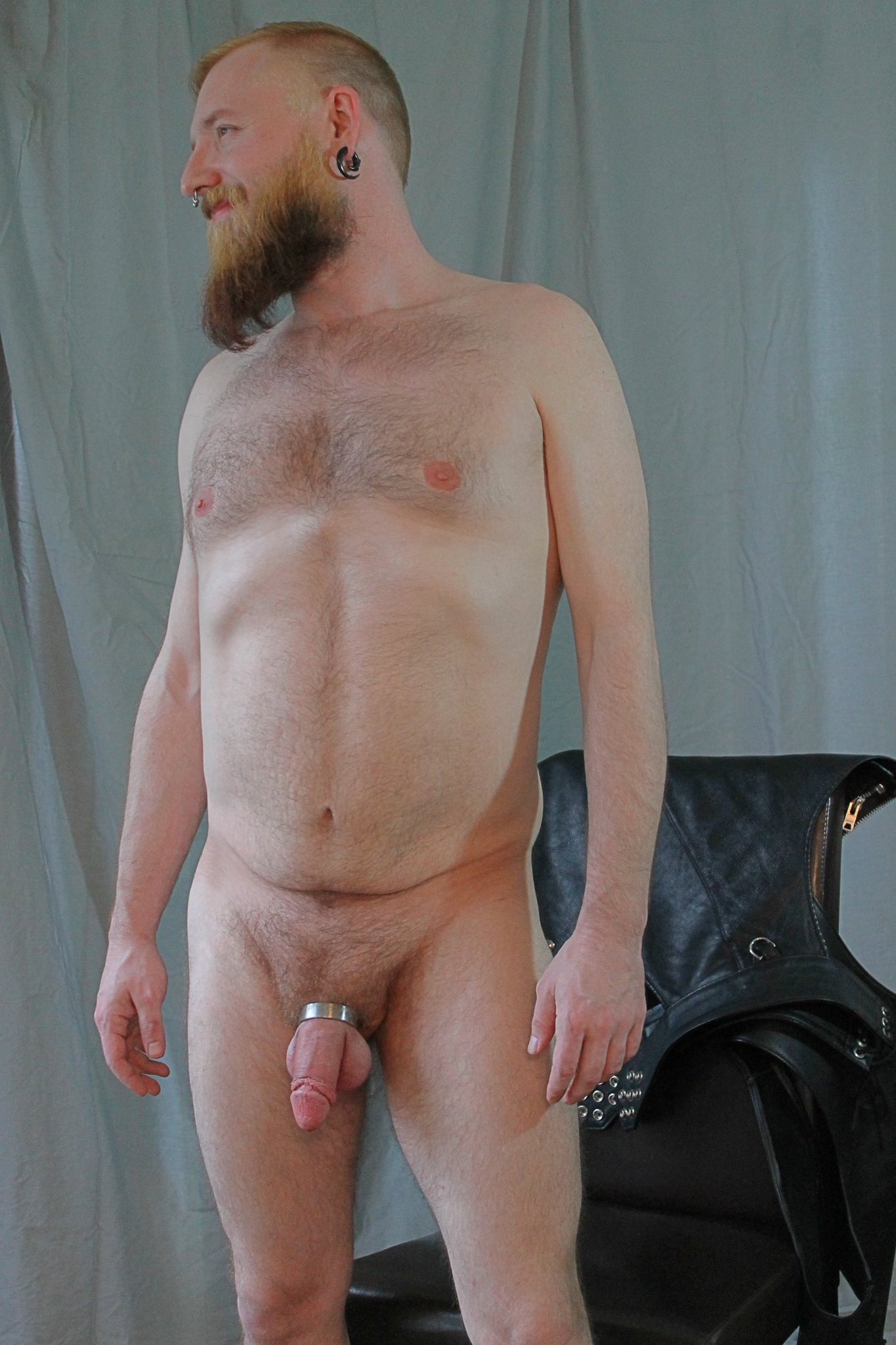 Happy national post a nude day! #ginger #gayotter #nude #bbbh https://t.co/qiR5aBNwZp