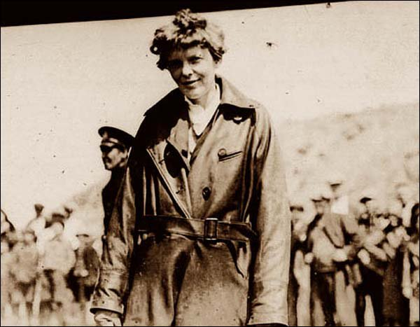 On this day in 1932, leaving from NL Amelia Earhart became the first woman to fly solo across the Atlantic Ocean. https://t.co/5JzIjWMSnK