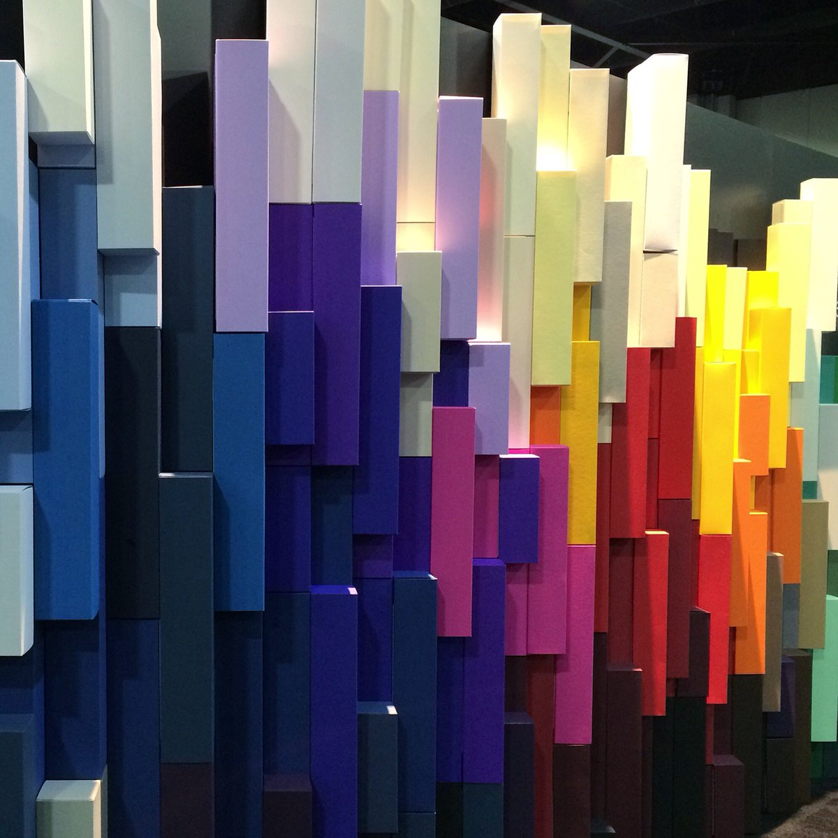 Super cool display at #HOWlive #colorplanpapers @jamescropper https://t.co/xFYnuMGdcR #packaging https://t.co/KjoWdJw8gp