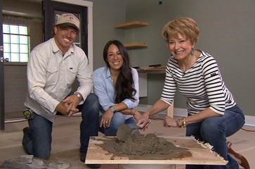 .@Fixerupperfans! Jane Pauley w @chippergaines & @TheMagnoliaMom fm @HGTV this wknd on @CBSSunday at 8 a.m. https://t.co/JC5JXKGeec
