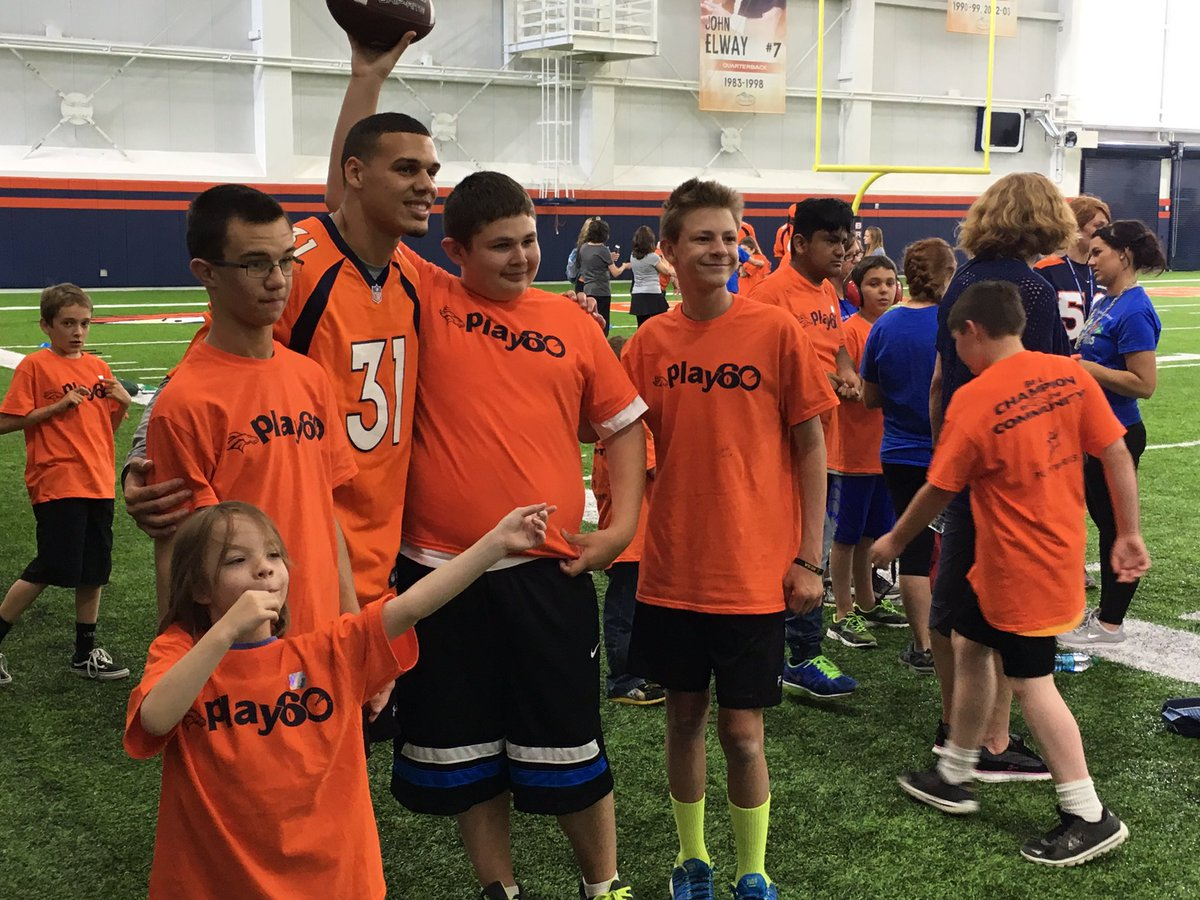 New @Broncos Safety @jsimms1119 and several new teammates hosting a Play 60/Special Olympics event @uchealth Center https://t.co/aYfV7PI1QG