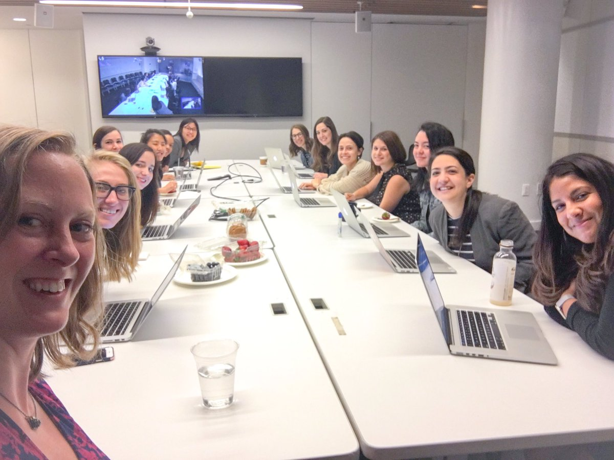 Notice anything about this @HuffingtonPost editors meeting?