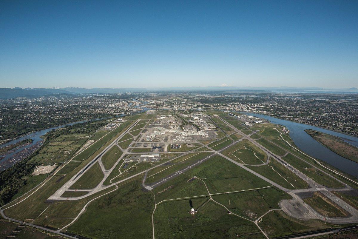 Subscribe to the YVR e-newsletter for all your airport info in one handy monthly publication
