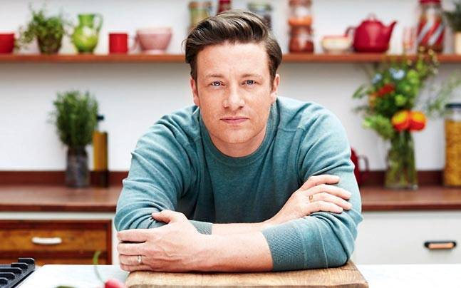 RT @IndiaToday: India gets ready for a food revolution with celeb chef Jamie Oliver https://t.co/Yk5a2lfDy3 https://t.co/C0C2lJHqQX