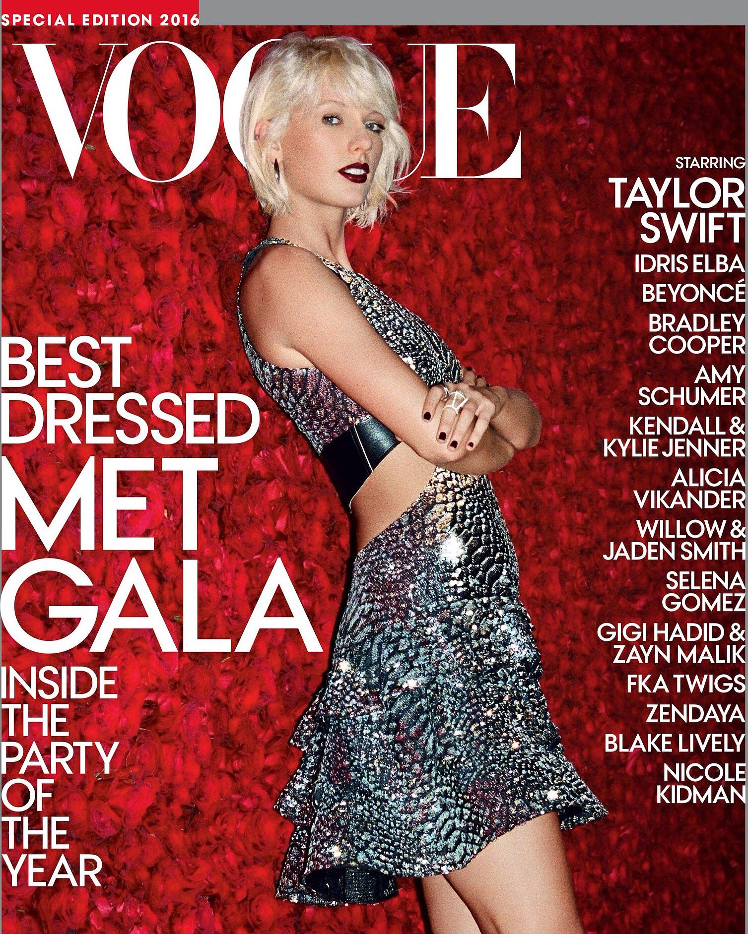 WOAH thanks @voguemagazine for the cover and Theo Wenner for taking this photo at Met Gala! What a night ✨ https://t.co/b12sYNDR9i