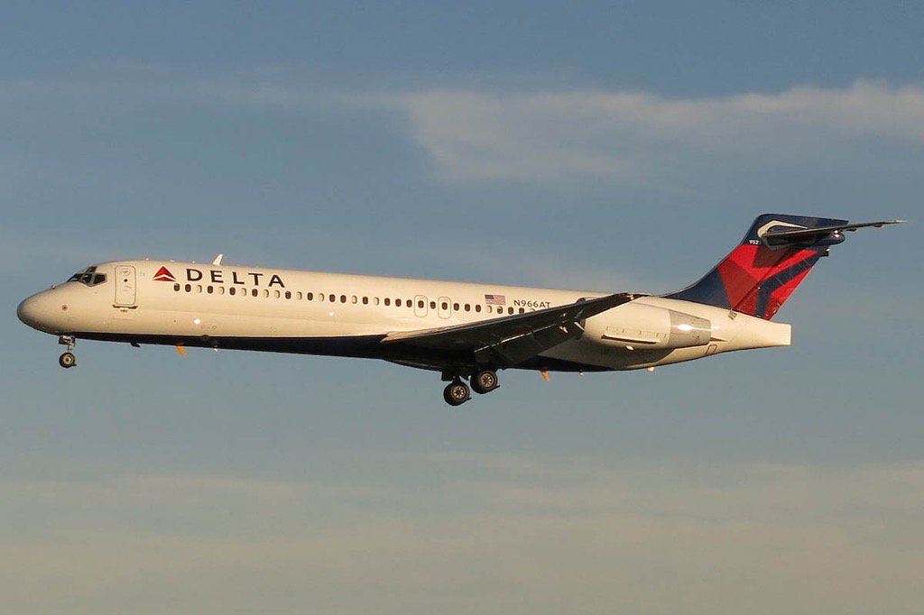 ANALYSIS: Delta Launches Seattle-California Shuttles