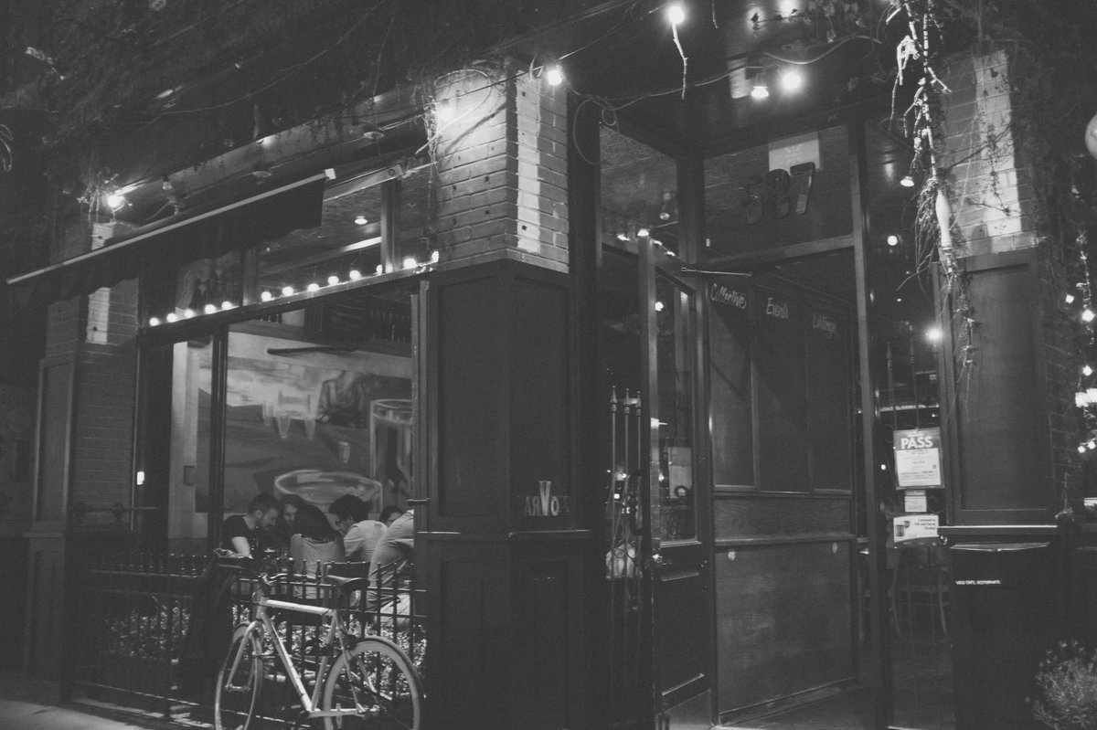Bar Volo Closing After 28 Years https://t.co/PsBzz0r034 https://t.co/M6uCR74JFy