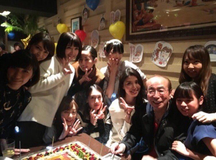 志村けんの誕生日写真、あからさますぎて「何か言ったら負け」の雰囲気すらある https://t.co/RQ2cDRQV39