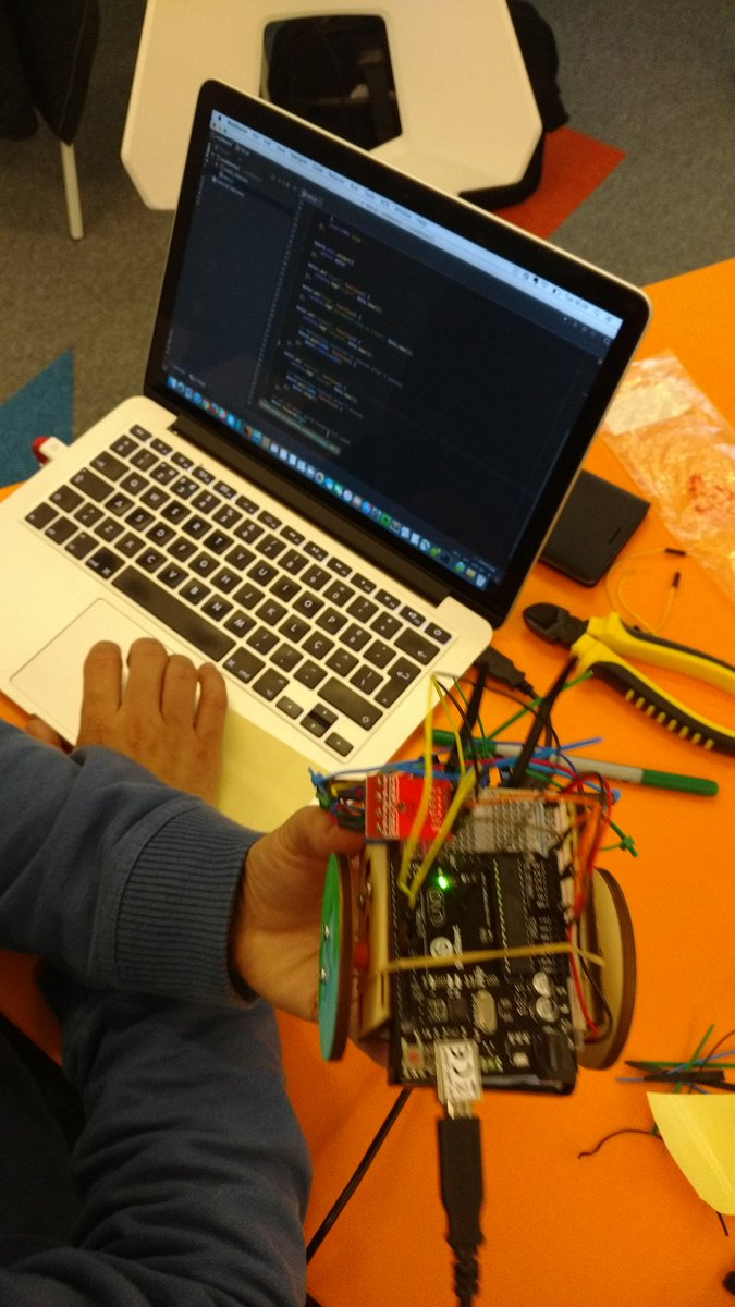 JavaScript powered Robots at #jsconfbp https://t.co/RbD7Te7NfV