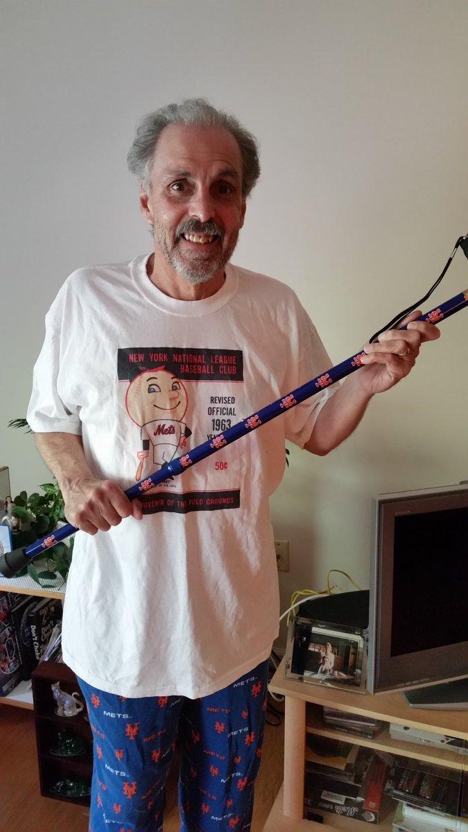 Here's how Joe B. looks when he doesn't use Harry's. @JoeandEvan https://t.co/DbLFbtzI5E