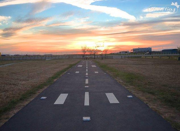 RT @Miss604: Watch planes land at Flight Path Park tt @yvrairport