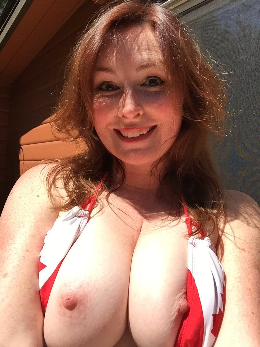 Today's video! #Tits! And #canada VEjRUVUhY2